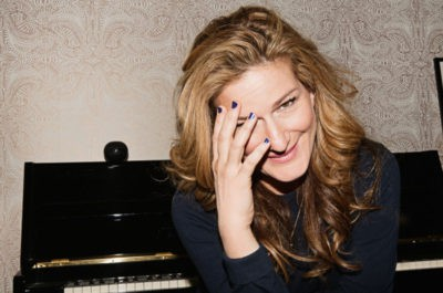 blowout hairstyle for Ana Gasteyer interview